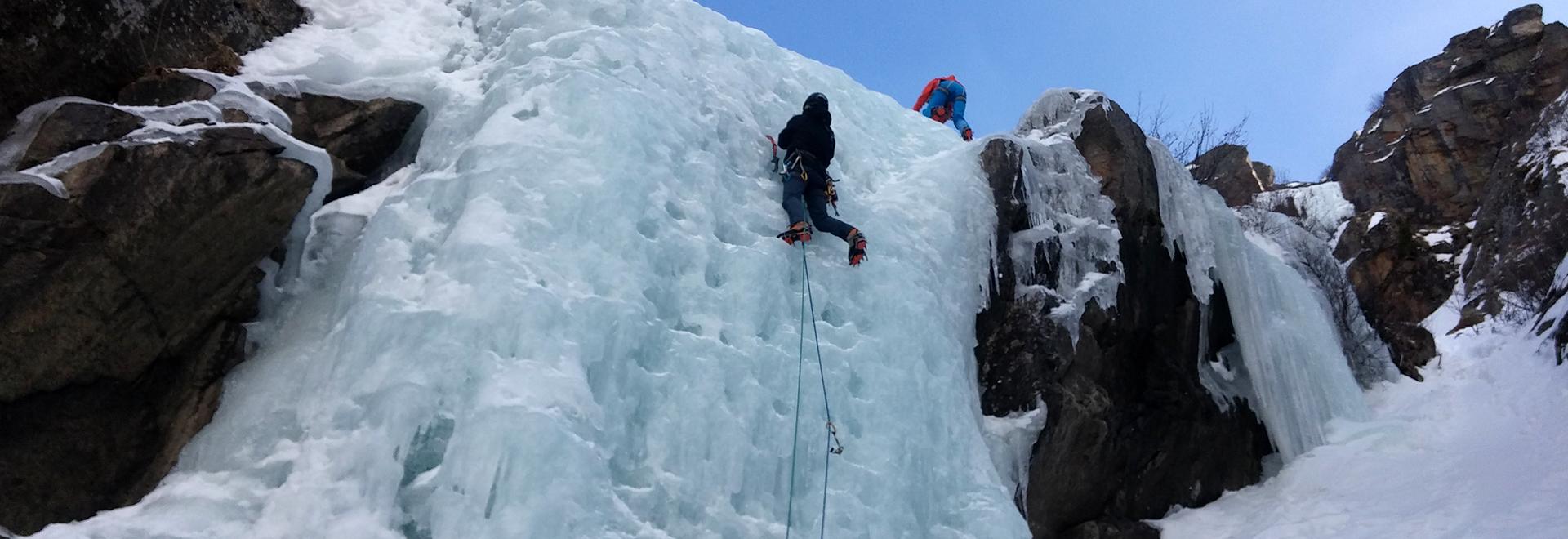 Corso di arrampicata su ghiaccio – modulo base