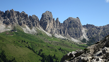 Multi-pitch routes in the Dolomites